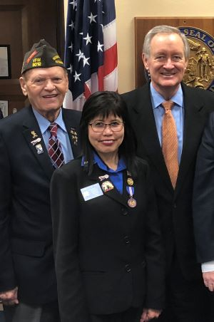 Senator Crapo meets with Bob and Carmelita Jones